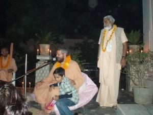 Dipavali Celebrations at Munger Mandir with Sadhu Maharaja and Paramadvaiti Maharaja