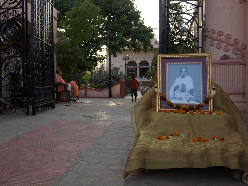 Sadhu Maharaja on May 20, 2010, disappearance day of his gurudev Radha Govinda das Babaji